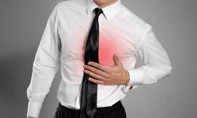 when does heartburn occur with acid reflux